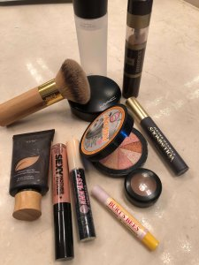 Fit Tip Friday: Long wearing-breathable Make up for a Fit Diva