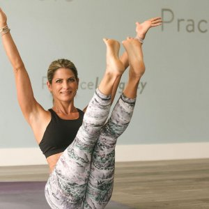 Join Laura DalSanto Wu at Practice Yoga